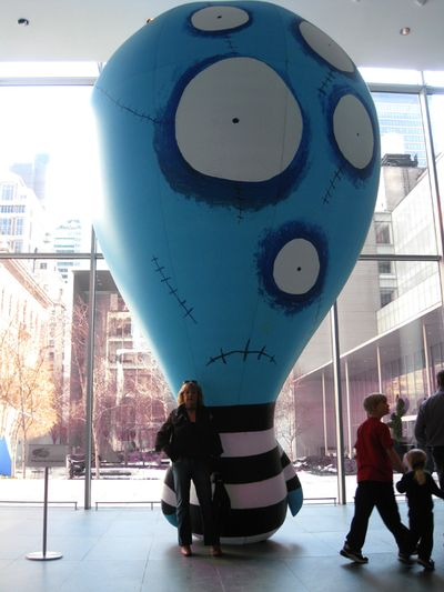 Tim burton's eye balloon