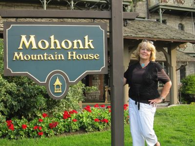 Me mohonk sign