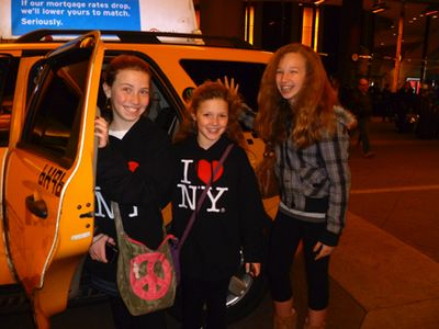 3 girls and a cab