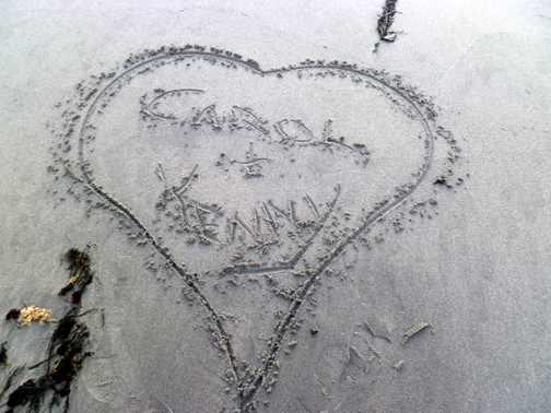 Carol + kenny in sand