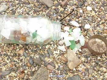 Sea_glass_on_beach