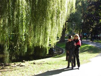 Me_and_mom_boston_garden