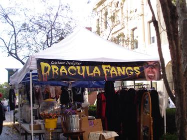 Dracula_fangs