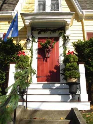 Christmas_front_door