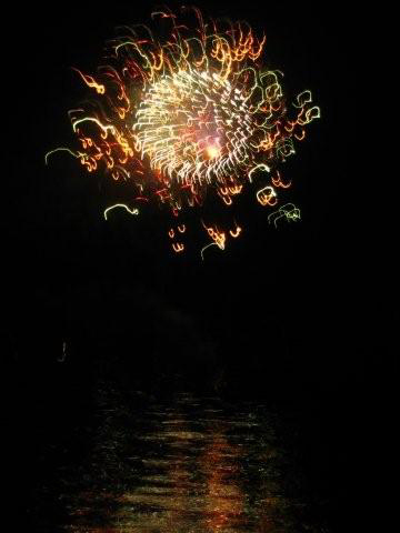 Yellow_fireworks